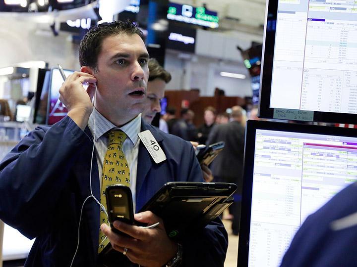 Wall Street celebra Halloween con ganancias, BMV baja