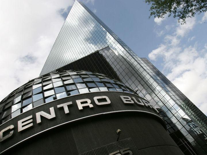 Este miércoles, la Bolsa Mexicana de Valores (BMV) abre con un descenso de 0.30 por ciento. Foto: Especial