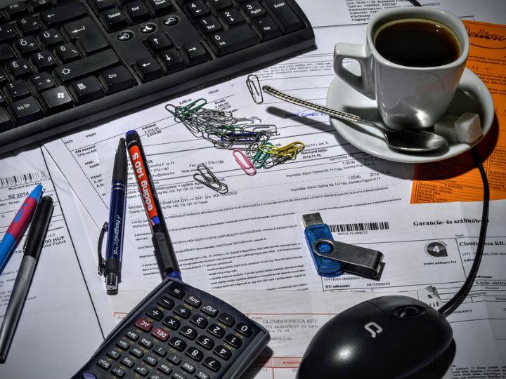 La convivencia de diferentes versiones de facturación puede llegar a generar retraso en el pago de servicios. Foto: Pixabay