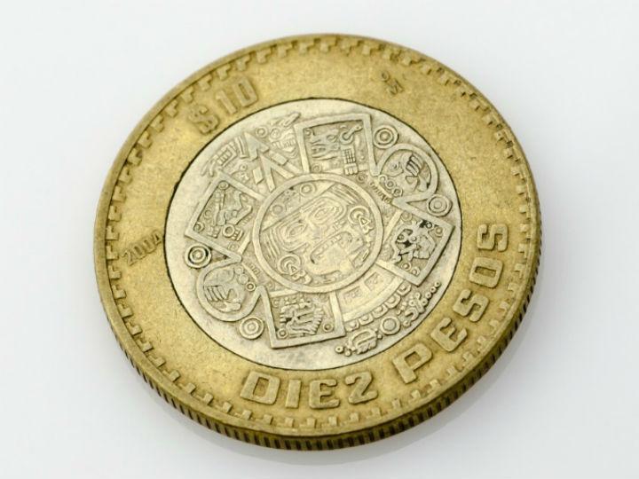 El gobernador del Banxico dijo estar a favor de que un trabajador gane más pero sin afectar la inflación