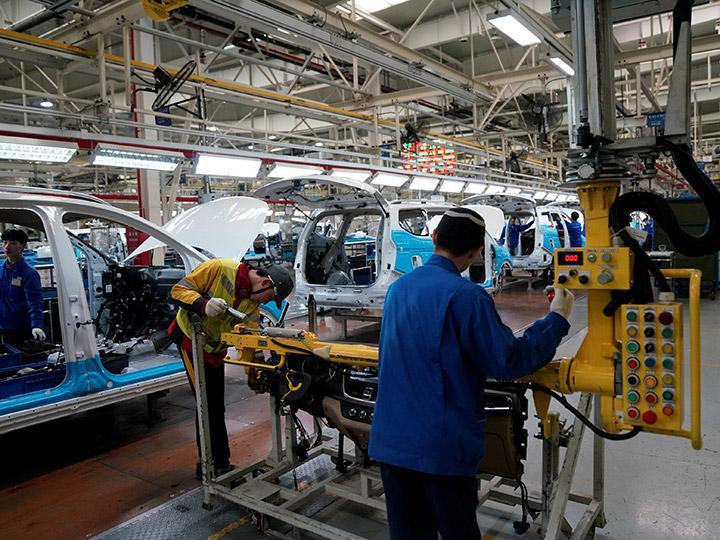 GM ensamblará coche autónomo sin pedales ni volante