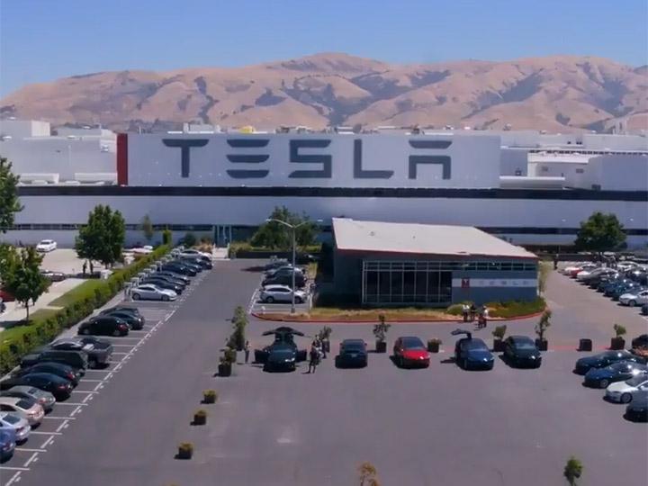 Tesla busca a mexicanos para trabajar en su gigafábrica