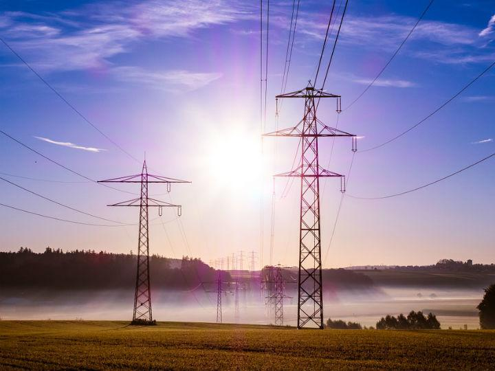 La CFE anuncia inversión de 330000 mdp en los próximos cinco años