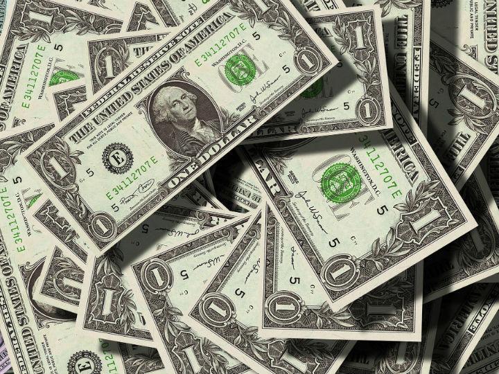 Peso extiende ganancias; dólar se vende hasta en $18.45