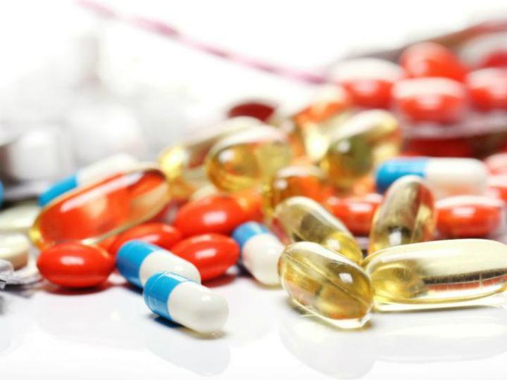 Cofepris y SSA liberan medicamentos genéricos para pacientes con VIH