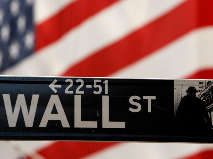 Wall Street abre en verde y el Dow Jones asciende un 1.04%