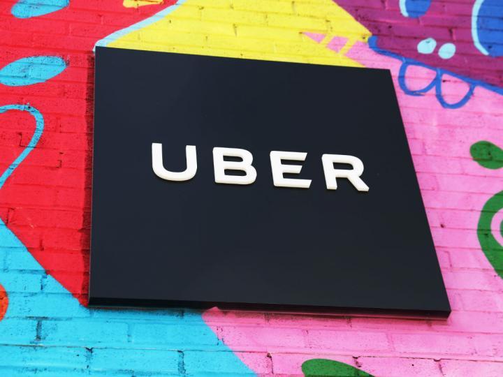 Crearán licencia especial para conductores de Uber y otras apps
