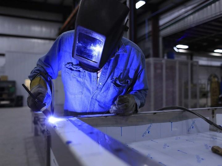 Covid-19 provocó pérdida de 255 millones de empleos, según OIT