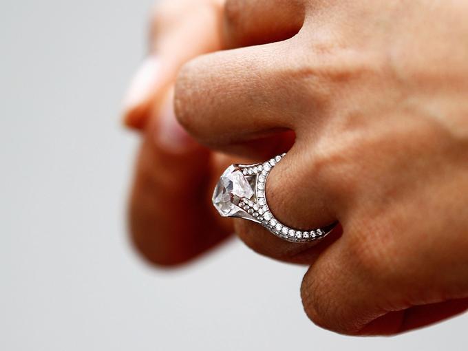 f0c6469b5c66 Demanda Tiffany a Costco por vender anillos de compromiso