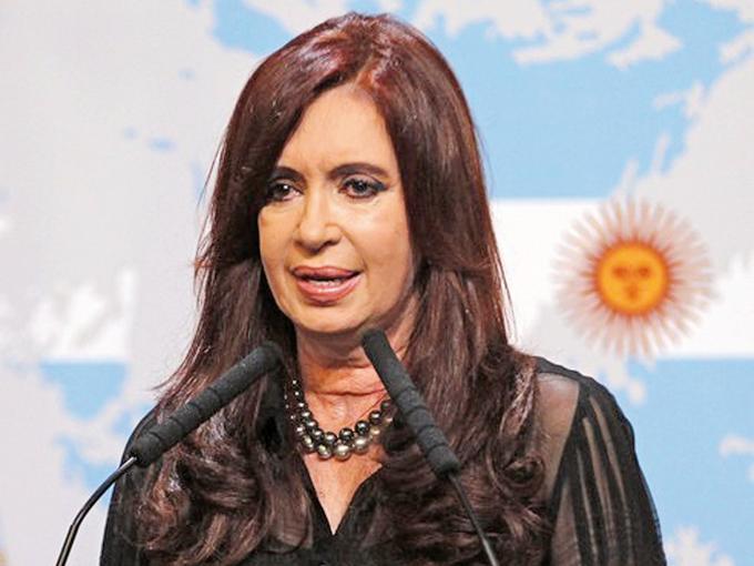 El gobierno de Cristina Fernández ha estado bajo presión por parte de los acreedores, para que pague una deuda total de mil 440 millones de dólares. Foto: Reuters