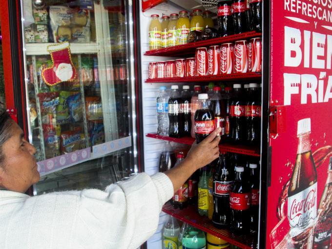 México lidera consumo per cápita de Coca-Cola en el mundo | DineroenImagen