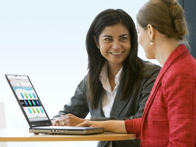Impulsar la tecnología empodera a las mujeres. Foto: Especial