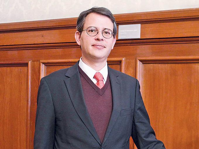 El subsecretario de Ingresos, Miguel Messmacher, dijo en entrevista que no le preocupan los recursos interpuestos por legisladores y empresarios, pues los cambios se ajustan al marco constitucional.  Foto: Mateo Reyes