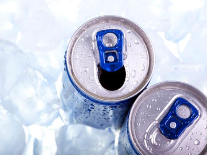 El riesgo de las bebidas energéticas con altas dosis de cafeína