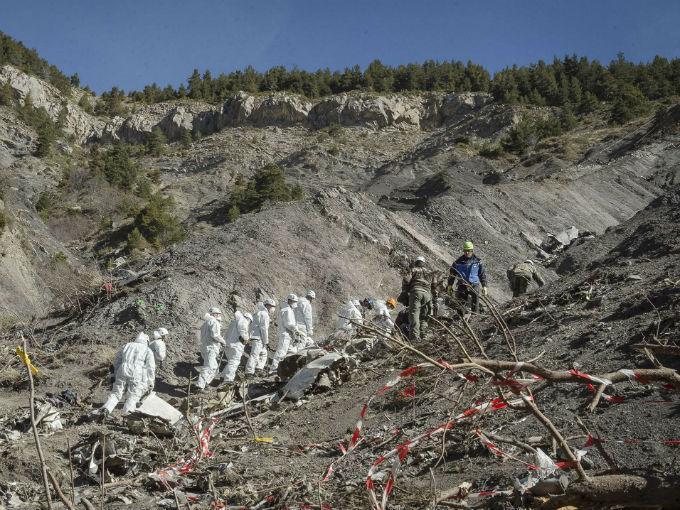 Copiloto aceleró mientras caía el avión de Germanwings
