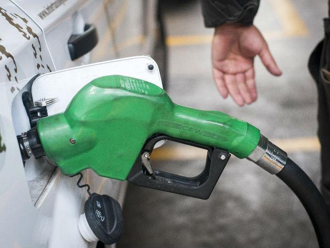 Evita robo y carga litros completos de gasolina con este dispositivo