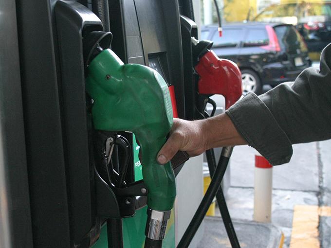 Así se calculará el precio de la gasolina y el diesel | Dinero en