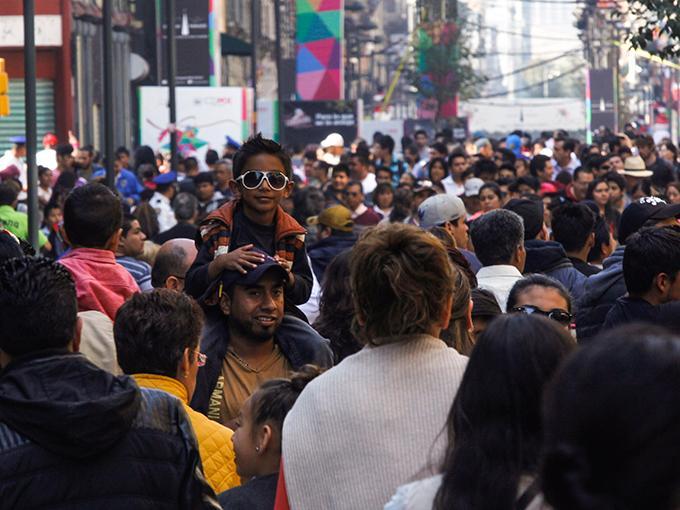 El bono demográfico revertirá su tendencia entre 2029 y 2030, por lo que empezará aumentar la población en edad de dependencia respecto a la productiva. Foto: Cuartoscuro/Archivo