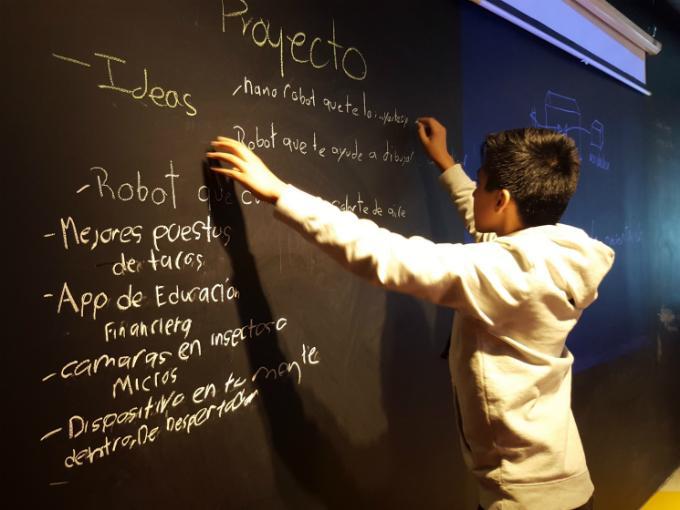DeKids es una escuela que busca enseñar programación a los niños. Foto: DeKids