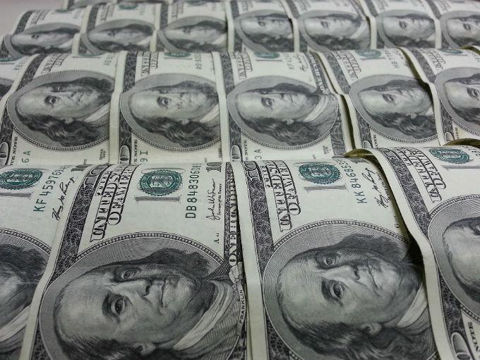 Peso recupera terreno frente al dólar, se vende en $19.98