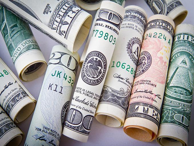 Dólar llega a un máximo de 19.20 pesos