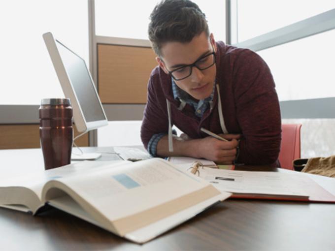 10 cursos en línea y gratuitos que puedes hacer en Coursera durante febrero