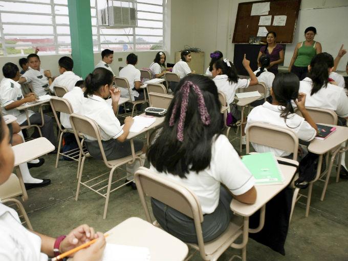 """De acuerdo con la plataforma MejoraTuEscuela.org, el 80% de los alumnos mexicanos pasan de """"panzazo"""" todas las pruebas internacionales. Foto: Cuartoscuro."""