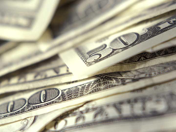 Promedia dólar en 18.39 pesos a la venta en el Aeropuerto capitalino