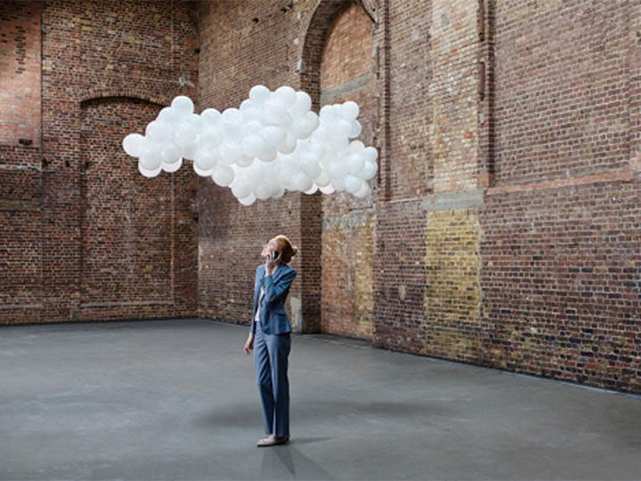 La gente ha sido entrenada o enseñada a pensar en cierto modo, sobre todo en las organizaciones, donde la creatividad es reprimida a menudo -intencionalmente o no. Foto: Getty