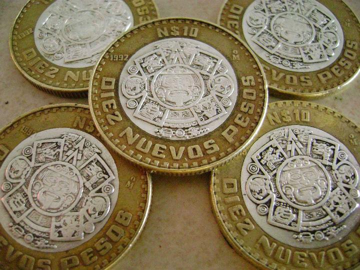 ¿De qué están hechas las monedas de 10 pesos?
