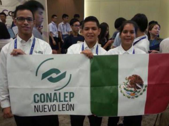 Alumnos del Conalep ganan premio en Corea