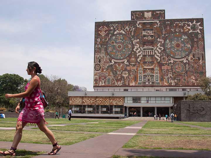 Cómo puedes entrar a los cursos en línea que ofrece la UNAM