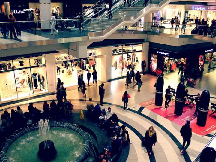 En México cada vez abren más plazas comerciales y en EU se cierran, ¿por qué?