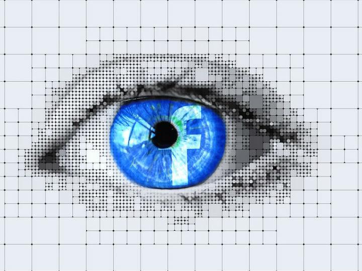 Facebook confirma que compartió tus datos con 60 empresas