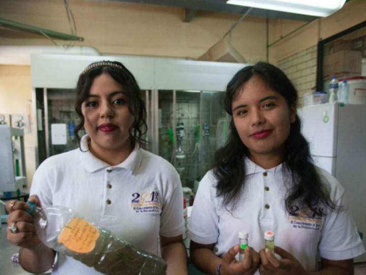 Dos estudiantes del IPN desarrollaron un invento, para aprovechar los efluentes de aguas negras y ríos contaminados para producir combustible limpio. Foto: @IPN_MX