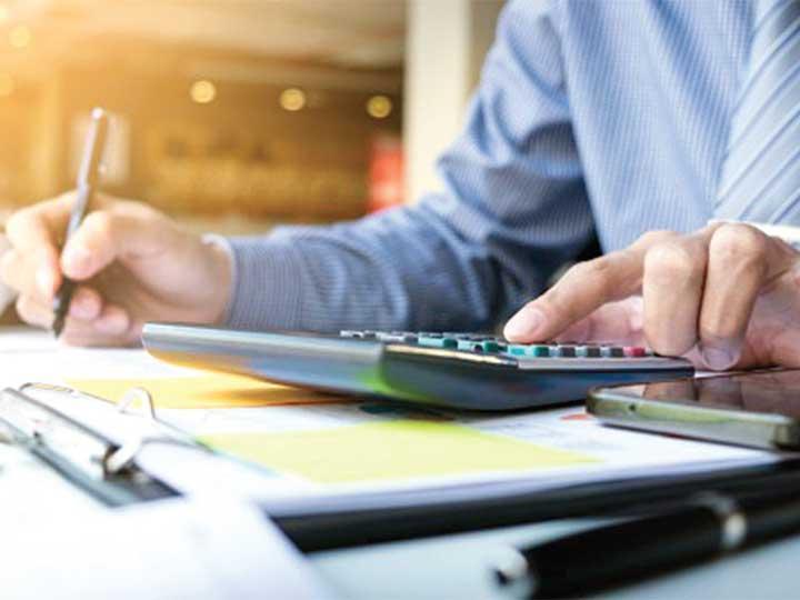 Si una compañía es declarada como Empresa que factura operaciones simuladas, los comprobantes fiscales que emitió quedan sin validez. Foto: Freepik