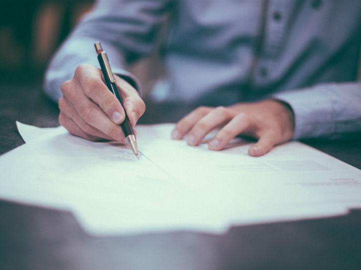 ¿En qué partes del contrato te tienes que fijar al adquirir una póliza de seguro?