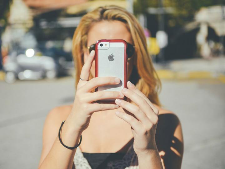 Se ha identificado una campaña de phishing relacionada con el creciente robo de teléfonos iPhone en el transporte público de la Ciudad de México. Foto: Pixabay