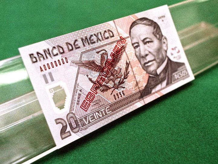¿Tienes Nuevos Pesos u otros billetes viejos? Descubre si puedes pagar con ellos