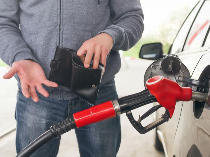 Los precios de la gasolina te despojarán de tu quincena: Premium se eleva 0.87%