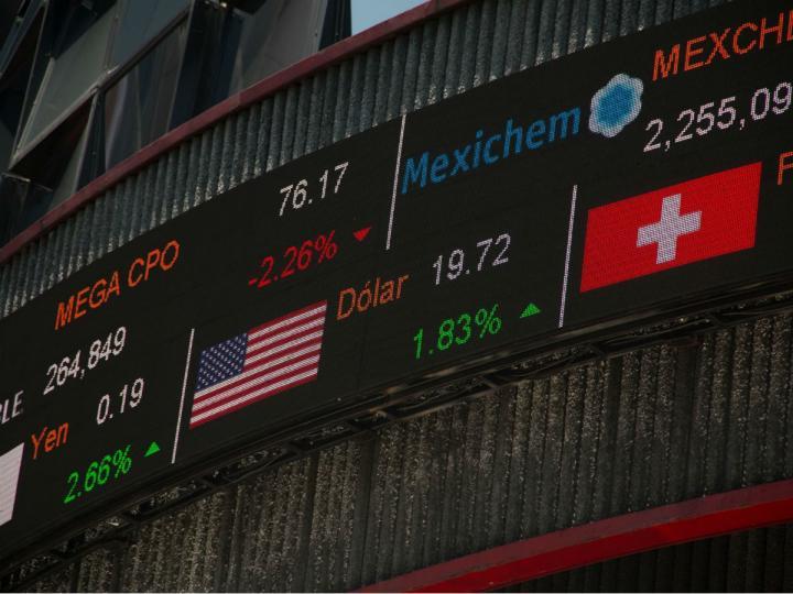 Dólar brinca nuevamente a la barrera de los $20; BMV avanza en los 42 mil puntos
