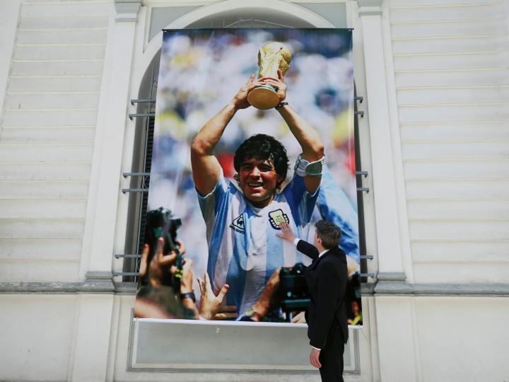 Playera que usó Maradona en 1986 podría valer hasta 2 millones de dólares