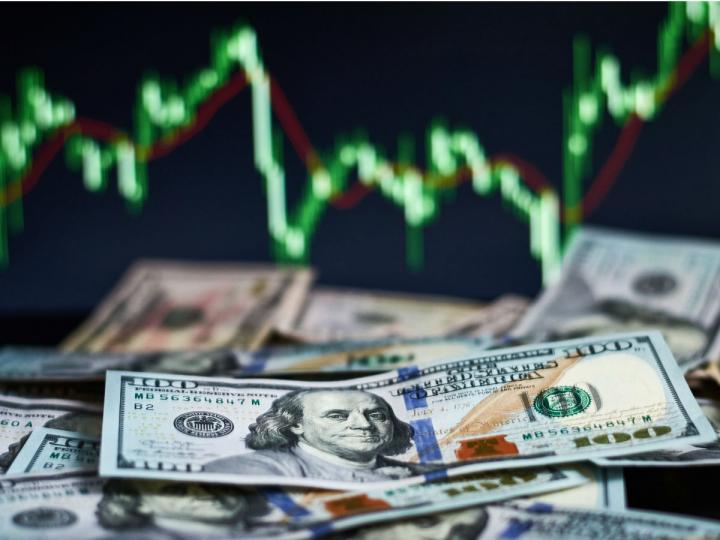 Peso se tropieza: Dólar avanza un ligero 0.14% hacia los $20