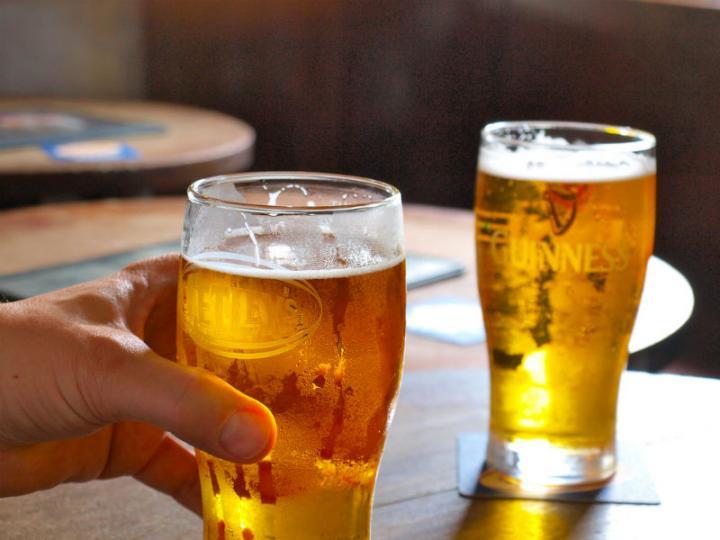 Tomar cerveza puede ser muy bueno para tu cerebro