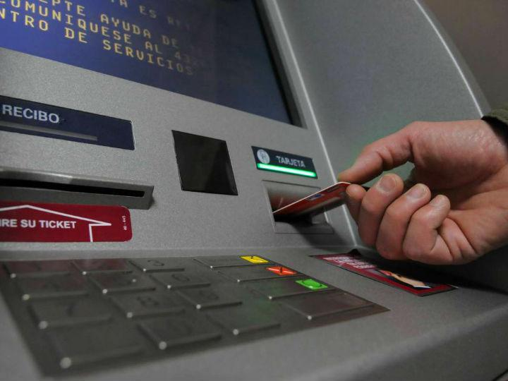 Los nuevos fraudes a los que están expuestas tus tarjetas bancarias