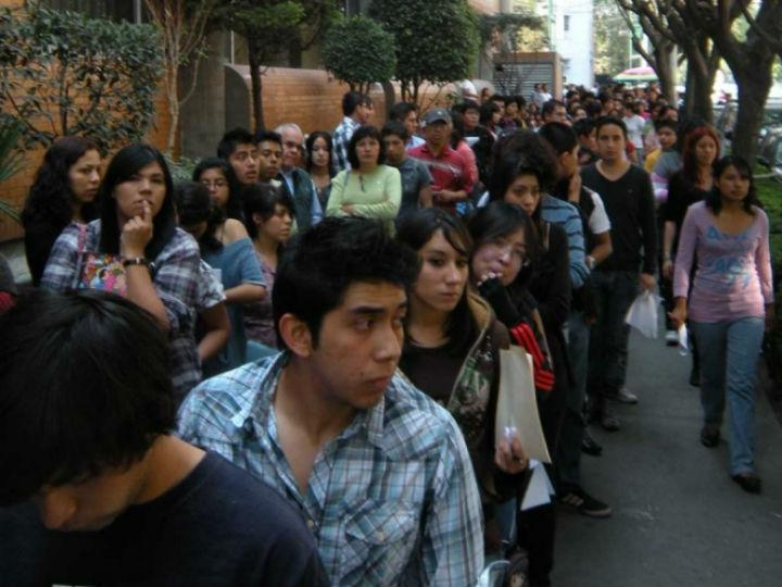 Las 219 empresas que participan en las becas de López Obrador