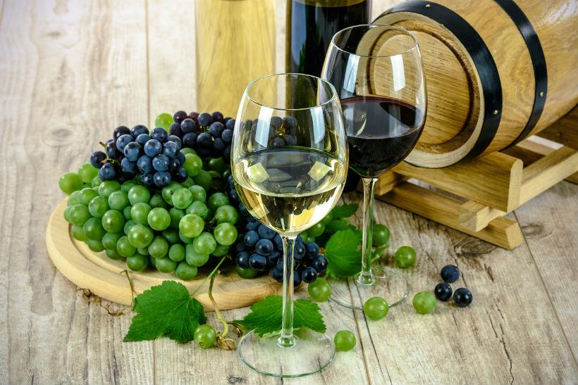 Esta es la diferencia entre vino tinto, blanco, rosado y espumoso