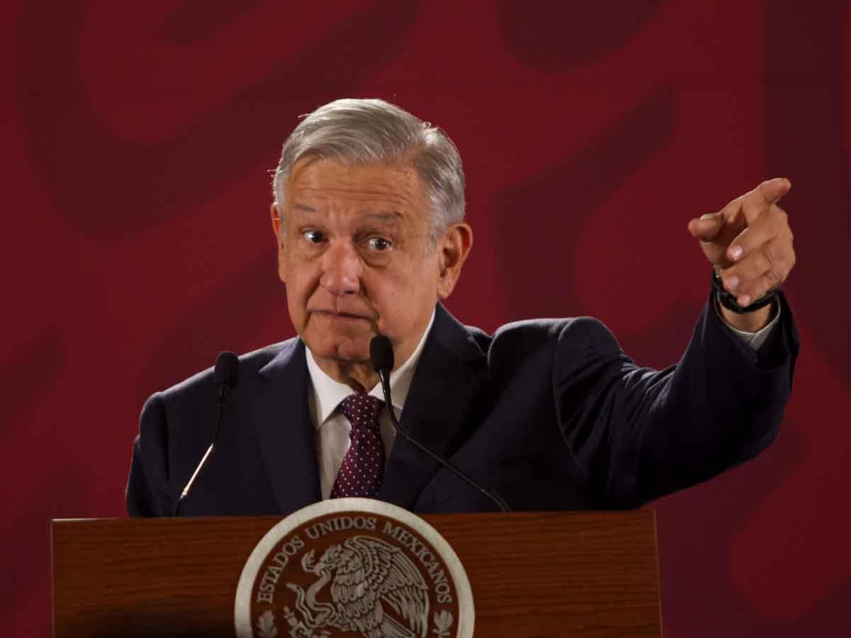 López Obrador asegura que se investiga a un expresidente que debe impuestos