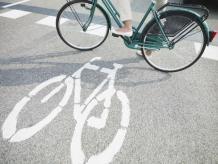 La innovación emprendedora puede hacer el camino más sencillo para quienes se desplazan en bicicleta. Foto: Photos.com
