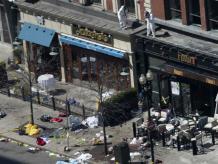 Existen casos de emergencia que nos recuerdan la situación de caos y desconcierto que se vivieron en el maratón de Boston y que podrían afectar tu negocio o empresa. Foto: Reuters.